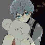 唯美抱熊的男生头像-唯美头像